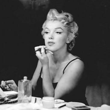 Marlilyn Monroe Hot Dog